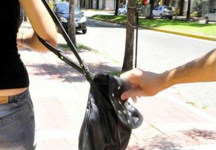 duplicado-carnet-conducir-me-han-robado-bolso-cartera-maleta